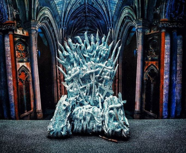 Ben Churchill membuat Iron Throne dari serial Game of Thrones (dok. Instagram @chefbenchurchill)